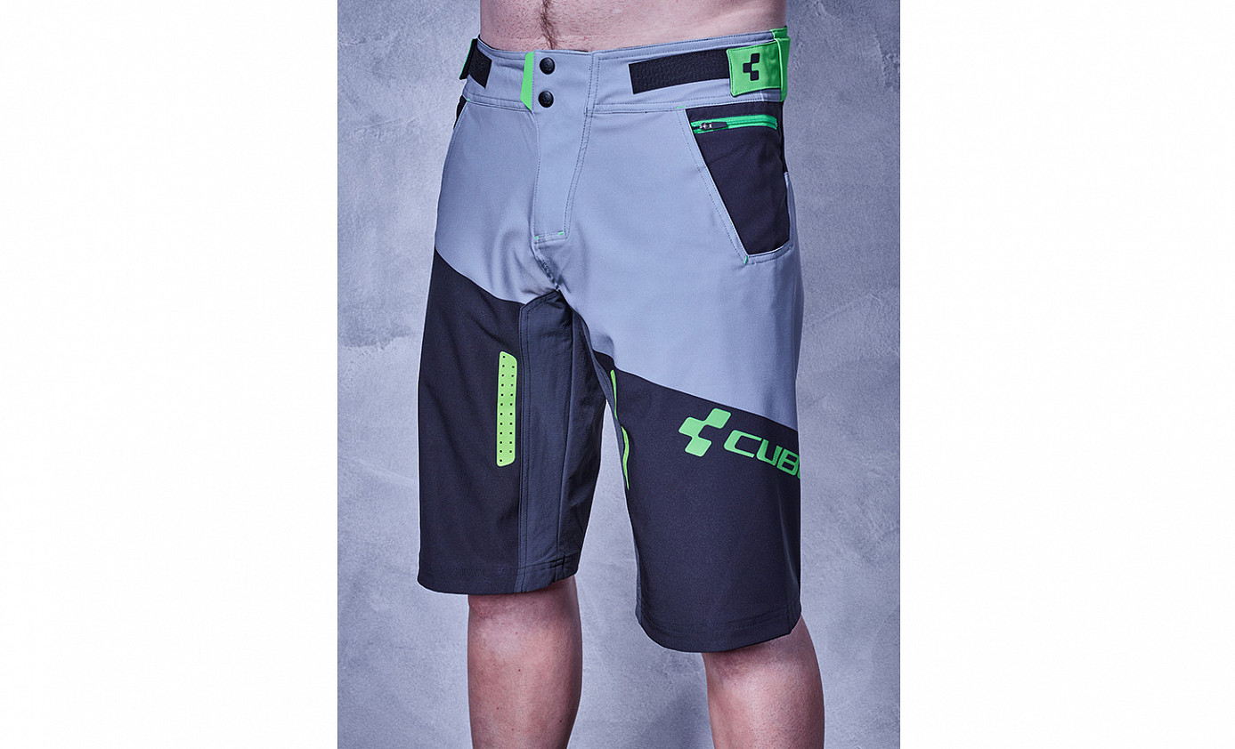 CUBE ACTION Shorts Essentials